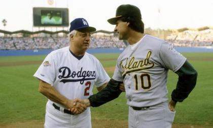 Tommy Lasorda y Tony La Russa, dos legendarios de Grandes Ligas.