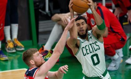 Jayson Tatum es uno de los jugadores de Boston bajo el protocolo de bioseguridad de la NBA.