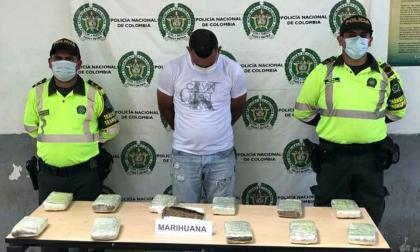 Lo sorprendieron con 12 kilos de marihuana