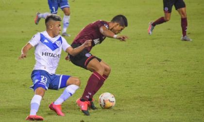 Lanús 3, Vélez 0: Alexis Pérez jugará la final de Sudamericana