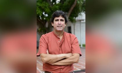 Carlos Riveros, médico internista.