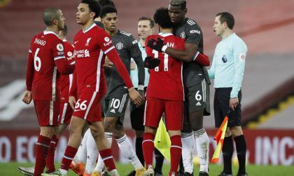 El United sobrevive en Anfield y mantiene el liderato