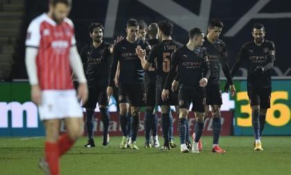 Manchester City sobrevive en la FA Cup al Cheltenham, de cuarta división