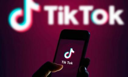 Italia ordena a TikTok bloquear a menores de 13 años tras muerte de niña
