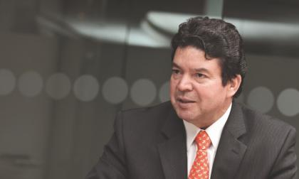 Julio Roberto Gómez.