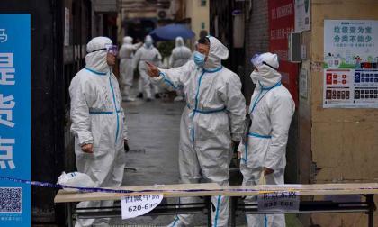 China empezó a implementar el hisopado anal para detectar casos de covid