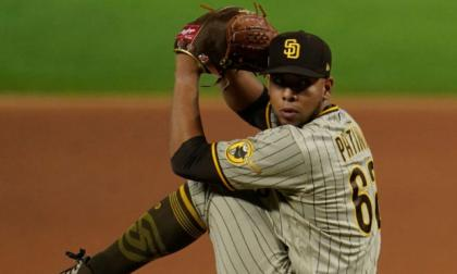 El colombiano Luis Patiño se destaca entre los mejores 20 peloteros de MLB