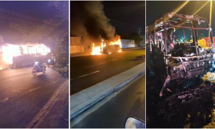 Pánico por incendio de un bus de servicio público en Soledad