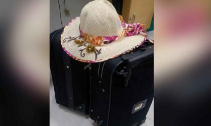 Aparecen maletas de turista que las había reportado como robadas