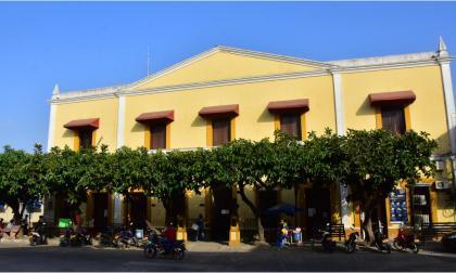 Aspecto de la fachada de la Alcaldía de Sabanalarga.