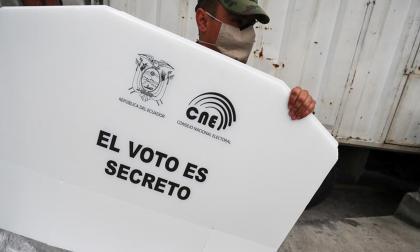 Silencio electoral en Ecuador en víspera de la crucial votación este domingo