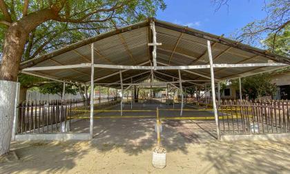 Una iglesia tiene dividida a la comunidad en Arroyo de Piedra