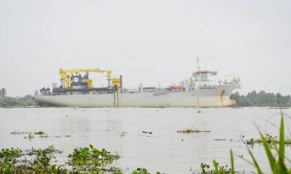 Comenzó dragado en el canal de acceso al Puerto