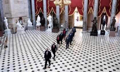 """Senado aprueba legalidad del """"impeachment"""" contra Trump"""