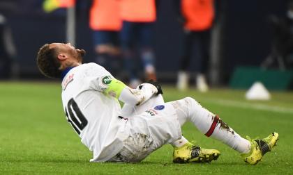 Neymar salió lesionado en el duelo contra el Caen, una semana antes del partido contra Barcelona en 'Champions'.