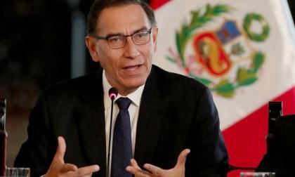 Escándalo en Perú: funcionarios fueron vacunados contra la covid  en secreto