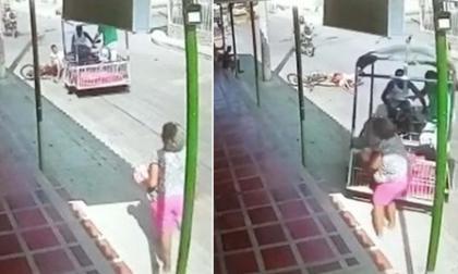 Cámara registró atropello de una moto-carretilla a un ciclista y a una mujer