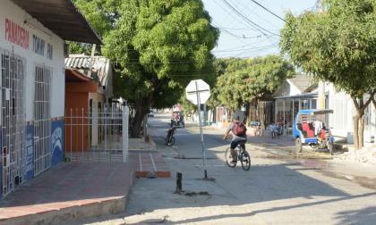 Balacera entre policías y delincuentes deja un menor herido en Soledad