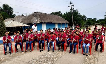 En el corregimiento La Subida (Lorica-Córdoba) 80 jóvenes se forman para aprender a tocar el porro en su estado más puro.