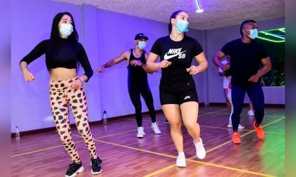 Rumbaterapia: una actividad musicalizada que fortalece el cuerpo