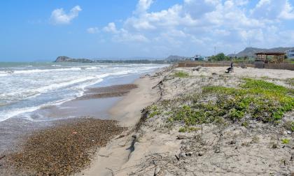 Abren 22 investigaciones por ocupación de playas en Juan de Acosta