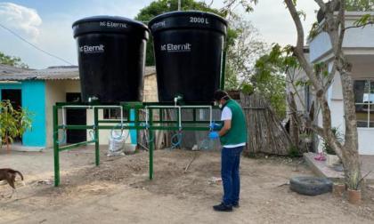 Realiza jornada de lavado de tanques en 60 comunidades