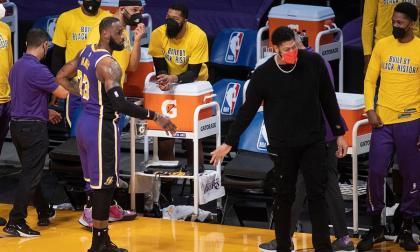 LeBron James disputó su partido 1.300 como profesional.