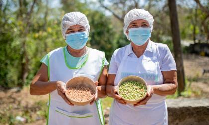 Matronas de Sibarco distribuyeron 1.500 sancochos en el Festival del Guandú