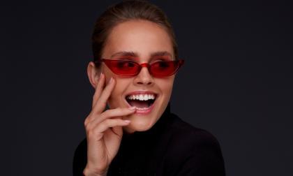 Las gafas tipo 'cat eye' cobran protagonismo en esta temporada del año.