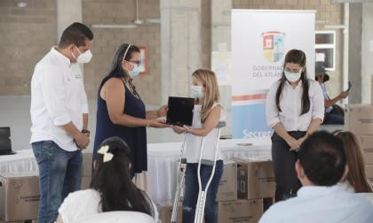 """""""Pasaremos de 7 a 3 estudiantes por computador"""": gobernadora Noguera"""