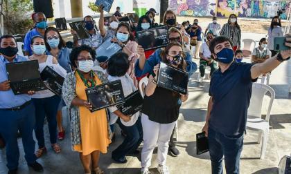 MinTic entregó 2.500 equipos portátiles para colegios de Barranquilla