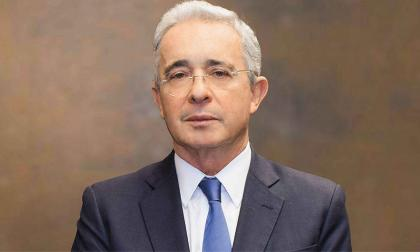 """Gracias a Dios por este paso positivo"": Uribe tras solicitud de preclusión"