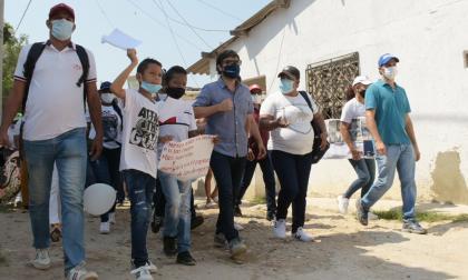 Pumarejo, al frente de las necesidades del barrio El Ferry