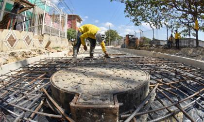 Transcaribe rehabilita carrera 83 en el barrio Ciudadela 2000