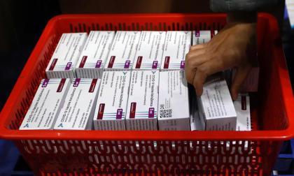 Estudian informes sobre problemas de coagulación en uso de vacuna AstraZeneca
