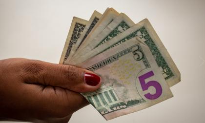 Cotización del dólar cae en picada este jueves