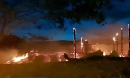 Se incendió bodega de estibas en Santa Marta