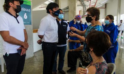 Adultos mayores de 75 años, a vacunarse sin cita en el Romelio