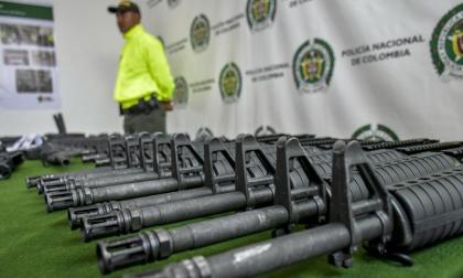 Armas de largo y corto alcance: ¿cómo llegan a manos de grupos ilegales?