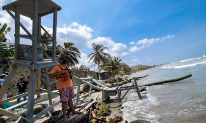 Erosión costera recrudece su amenaza en Santa Verónica