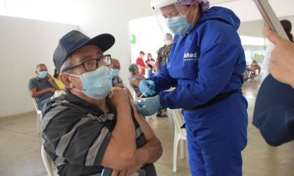 Vacunación avanza a buen ritmo en el Distrito