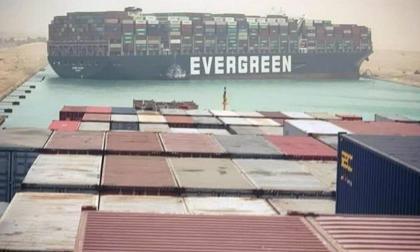 Bloqueo de Canal de Suez retiene bienes por 9.600 millones de dólares diarios