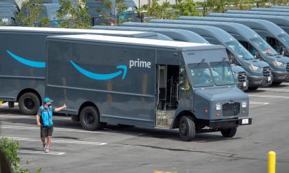Amazon acepta que sus conductores deben orinar en botellas durante recorridos