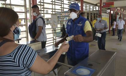 Barranquilla: transportadores en desacuerdo con medida de pico y cédula