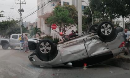 Accidente: Choque de camionetas en Barranquilla