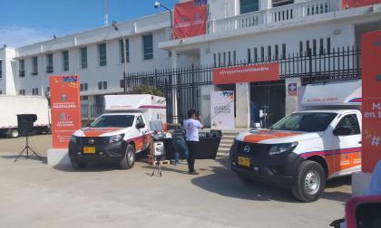 En Ciénaga entregan ambulancias