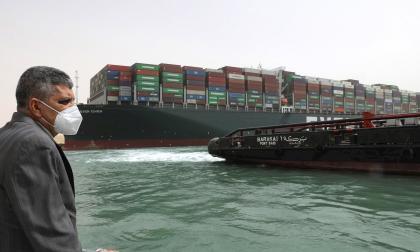 Canal de Suez pide 767 millones de euros al buque 'Ever Given'