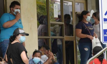 Clínica en Barranquilla no quiere dar información sobre pacientes con covid-19