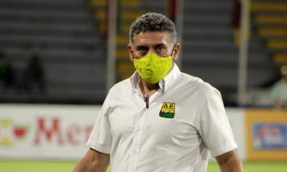 Luis Fernando Suárez apoya a Viera