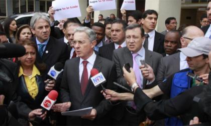 Reforma tributaria: Centro Democrático se reúne con el Gobierno